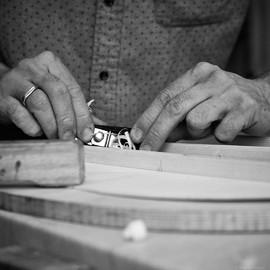 Hände Gitarrenbau Lietz