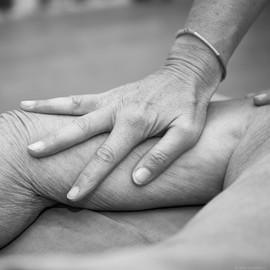 Hände Reiki Körperarbeit